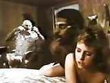 Negao da tribo comendo a esposa - Filme Antigo