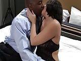 Esposa no motel com um negro realizando sua fantasia